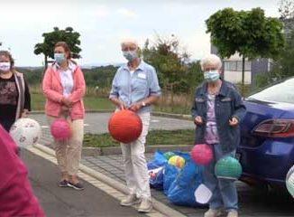 Ehrenamtliche Helferinnen vor dem Hospiz Salzgitter