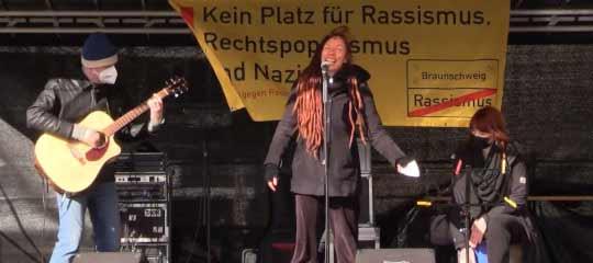 Auftritt der Indigos beim Bündnis gegen Rechts in Braunschweig